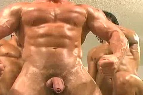 trio Muscle Worshowdyp