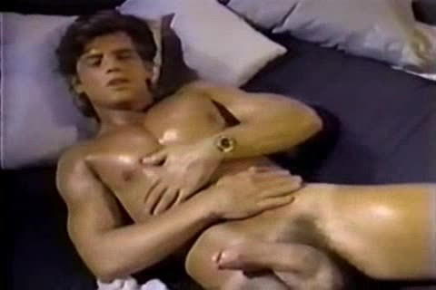 Jerking To A Jeff Stryker video Tthis duden sucking him For Real
