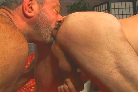 wet gay guy Muscle Mike hammers Patrick Ives