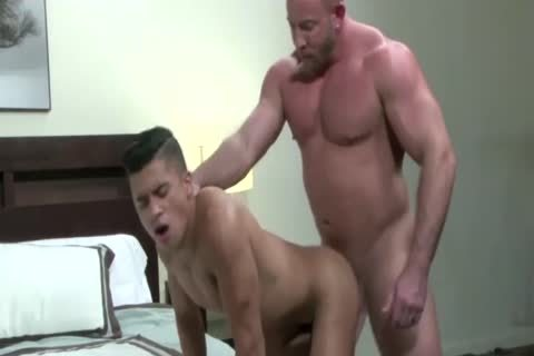 sleazy Hunk acquires anal Stretched