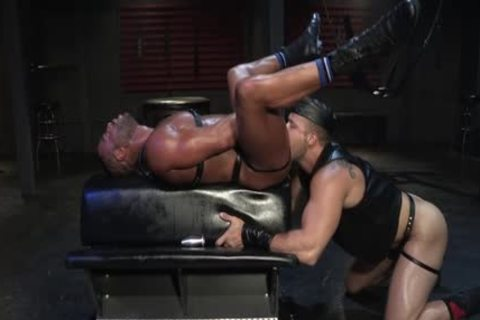 Muscle Wolf blowjob And ejaculation
