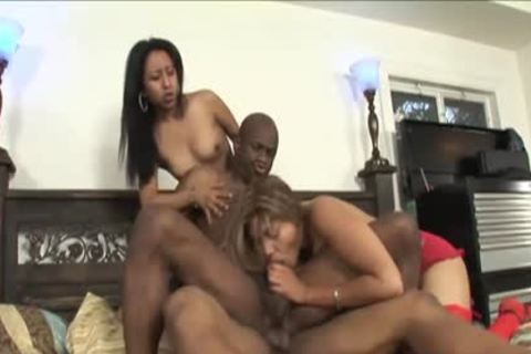 lusty Foursome Session With Two ebon Sweethearts