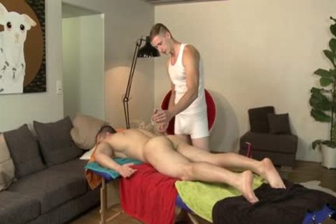 Muscle Daddy ass sex With Massage