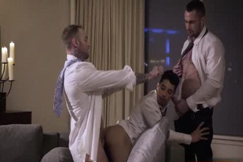 Muscle homosexual trio With cumshot