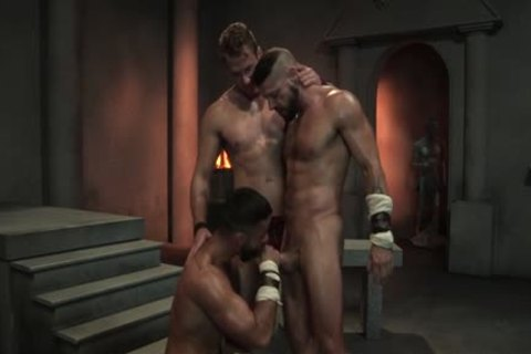 Muscle Bear three-some With cumshot