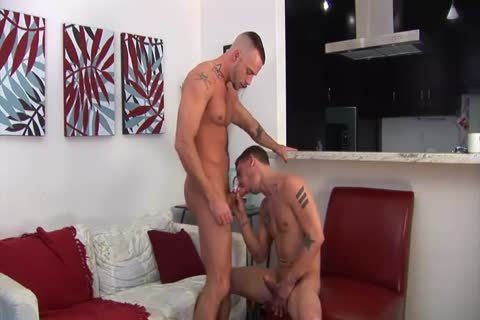 James nails Muscle Bottom