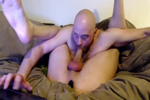 arse Plugged boy Sucks His Own penis