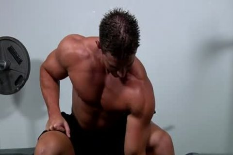 Muscle gay oral-service And cumshot