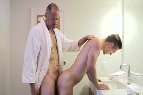 [Family dick] Stepdad Boyfriend, Chapter Two - A Closer Shave (Stepdad George